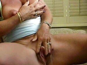 Kurva baka velike bradavice milovati joj veliki klitoris